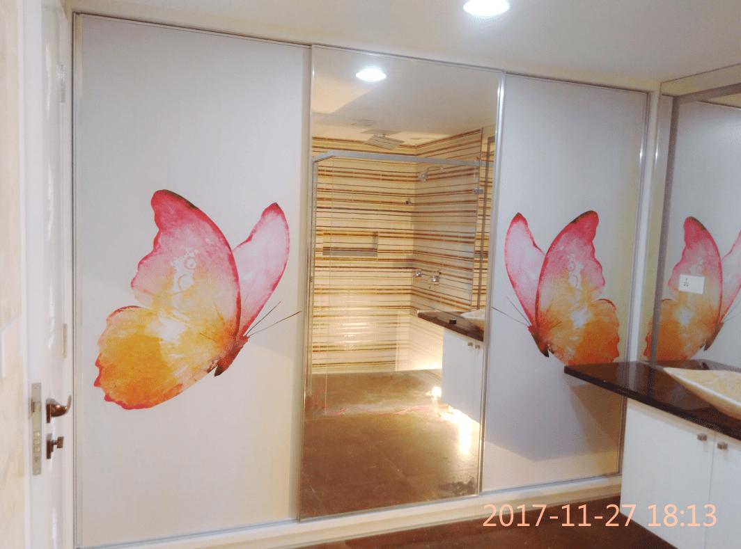 Watercolor Butterfly Wardrobe Wallpaper